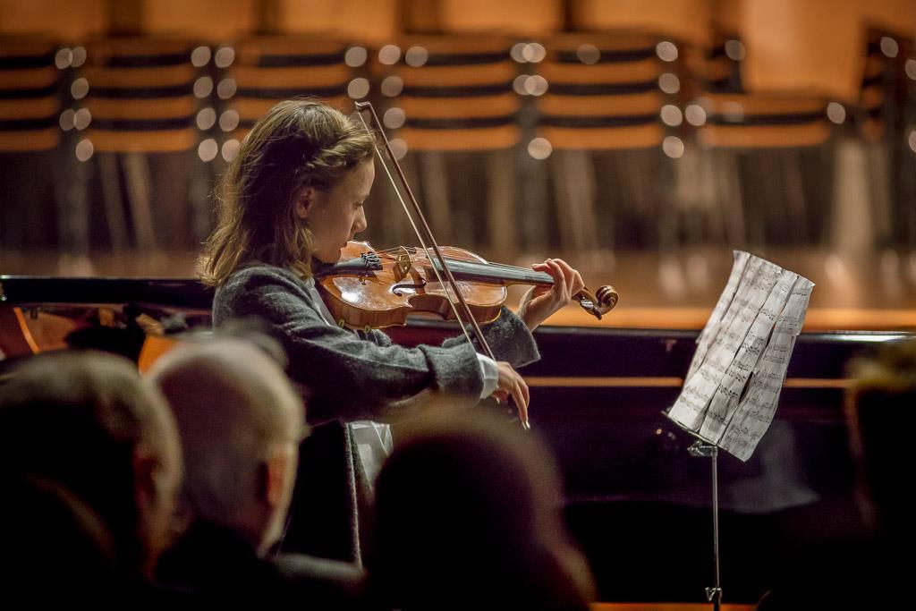 Antonio Vivaldi - Duo für Violine und Violoncello (Luise Burk, V, Violine und Clara Häfele, V, Violoncello)