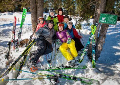 Skigruppe um Alina Schaefer
