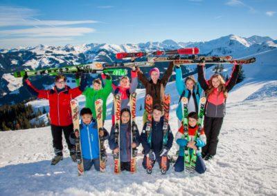 Skigruppe um Aniana Mayer-Rolshoven