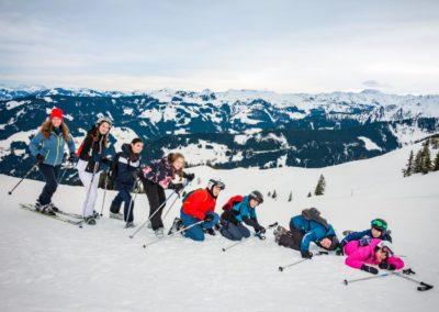Skigruppe um Helen Krueger-Janson