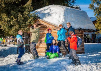 Skigruppe um Lea Krueger-Janson