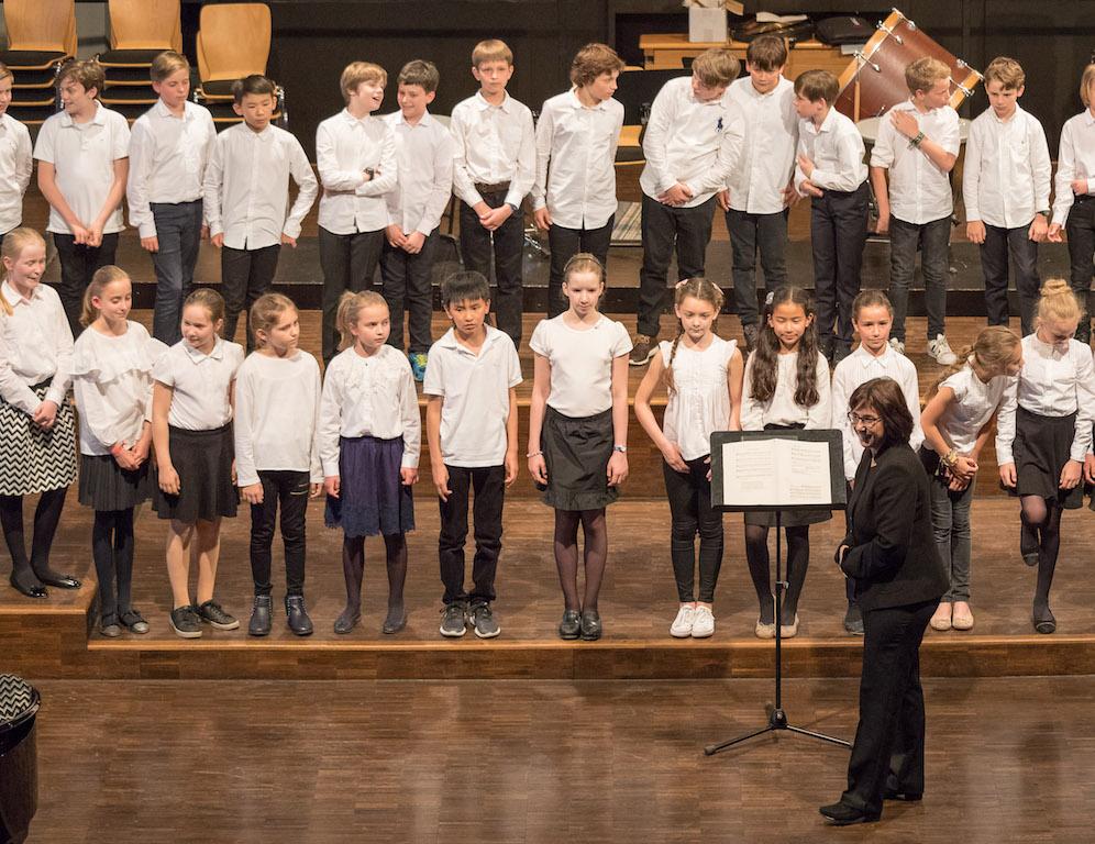 Chor der Klassen 5 mit Frau Mittenhuber