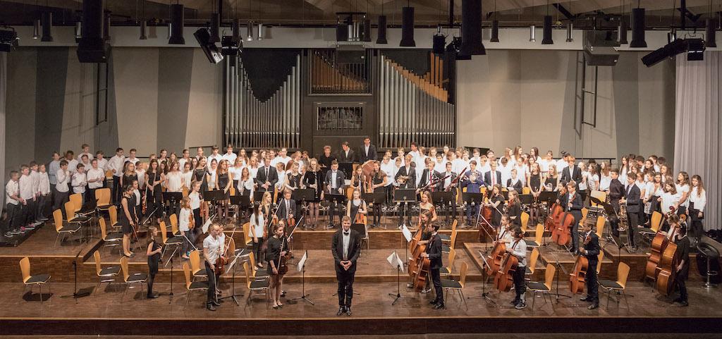 Chor der Klassen 6 und 7 – Mittleres Orchester