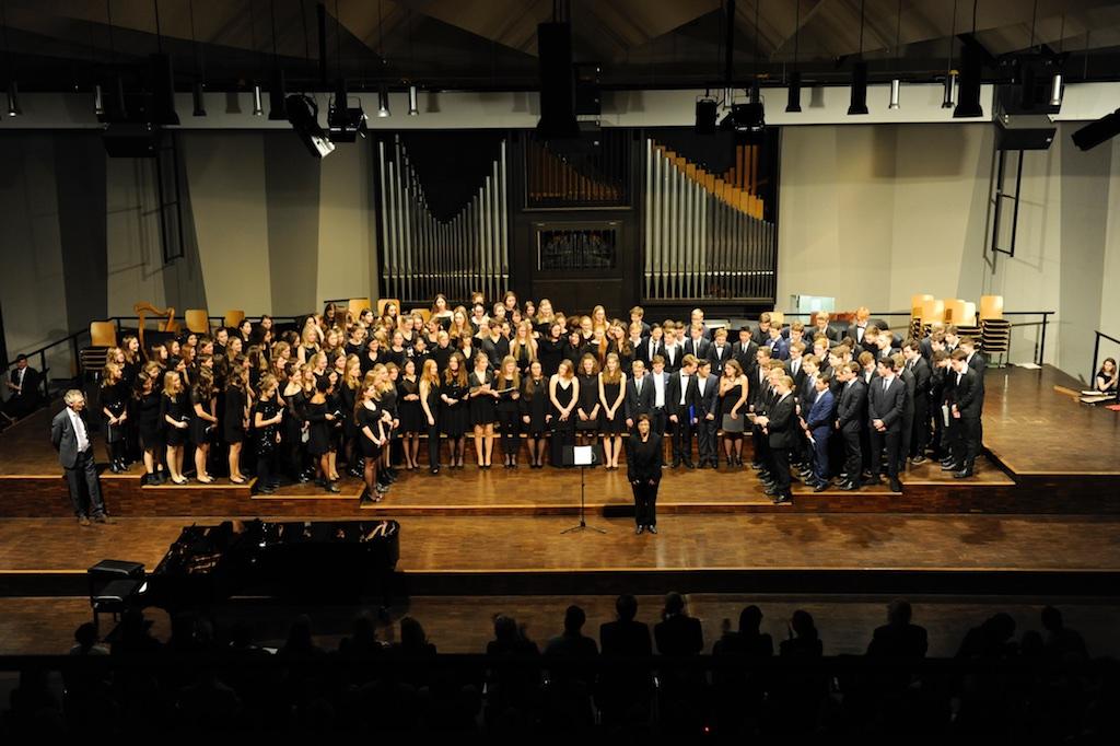 Der Große Chor unter der Leitung von Frau Mittenhuber