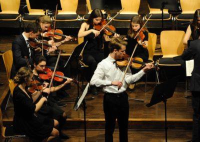 Streicher des großen Orchesters II 11