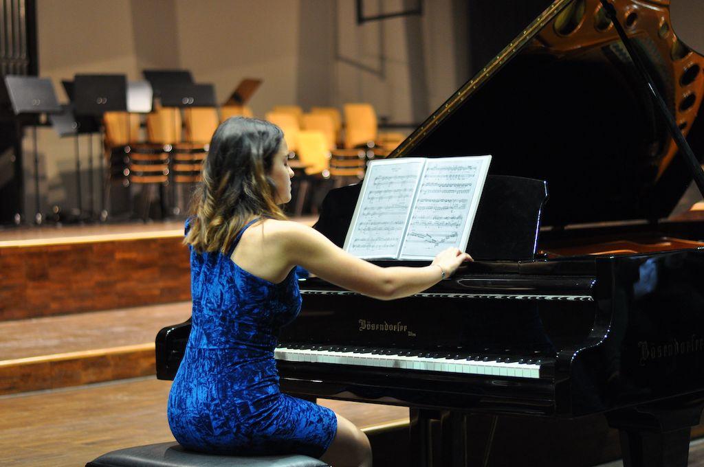 Marina A., Klavier - Wolfgang Amadeus Mozart Fantasie in d-Moll