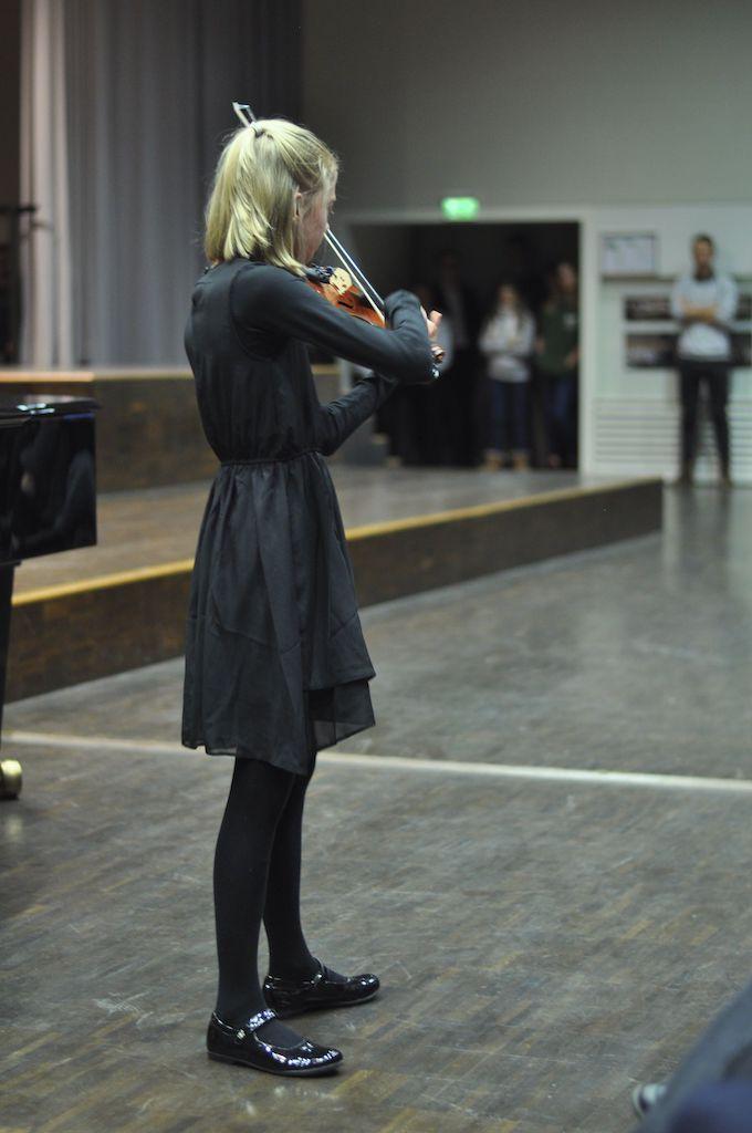 Julia G., Violine und Peter G., Klavier- Antonin Dvorak Sonatine G-Dur 4. Satz: Finale