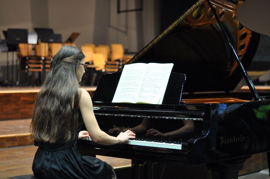 Anna A., Klavier - Frédéric Chopin Nocturne f-Moll