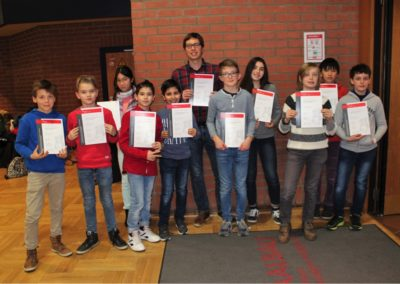 29 Schachturnier - die Mannschaft des Lessing-Gymnasiums mit Herrn Schneider