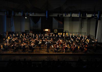 Das Große Orchester begleitet Sebastian Lampert