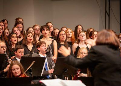 Großer Chor und Großes Orchester mit Teilen aus Peacemaker von K. Jenkins