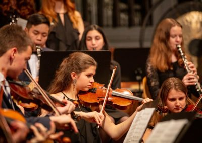 Streicher und Bläser des Großen Orchesters